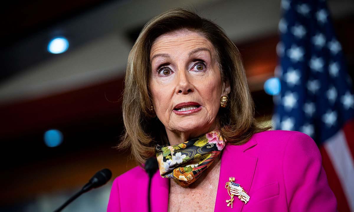 Chủ tịch Hạ viện Mỹ Nancy Pelosi phát biểu trong cuộc họp báo ở Tòa nhà Quốc hội tại Washington hôm 18/9. Ảnh: Reuters.
