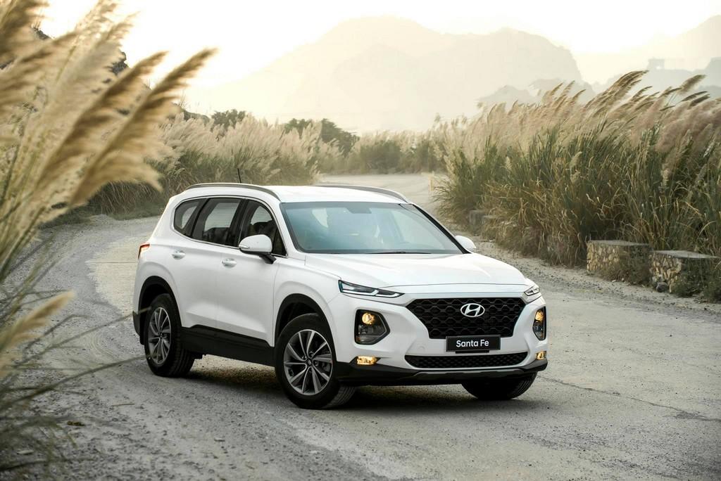 Nhiều công nghệ, thiết kế trẻ trung, Hyundai Santa Fe đang dẫn đầu phân khúc tại Việt Nam. Ảnh: TC Motor