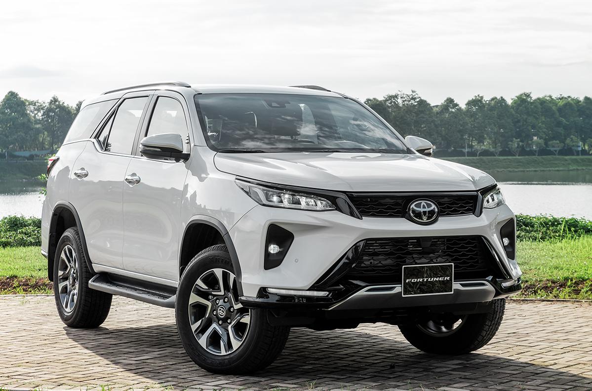 Legender, phiên bản nhiều công nghệ nhất của Toyota Fortuner. Ảnh: TMV