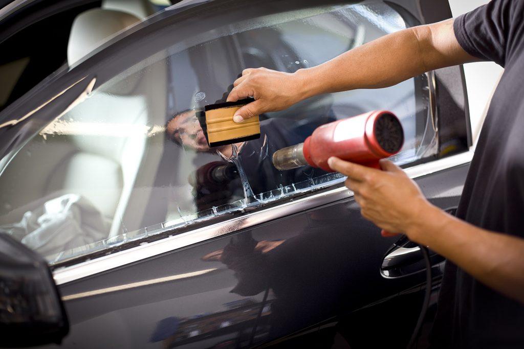 Phim cách nhiệt giúp xe đỡ nóng. Ảnh: Solar Gard