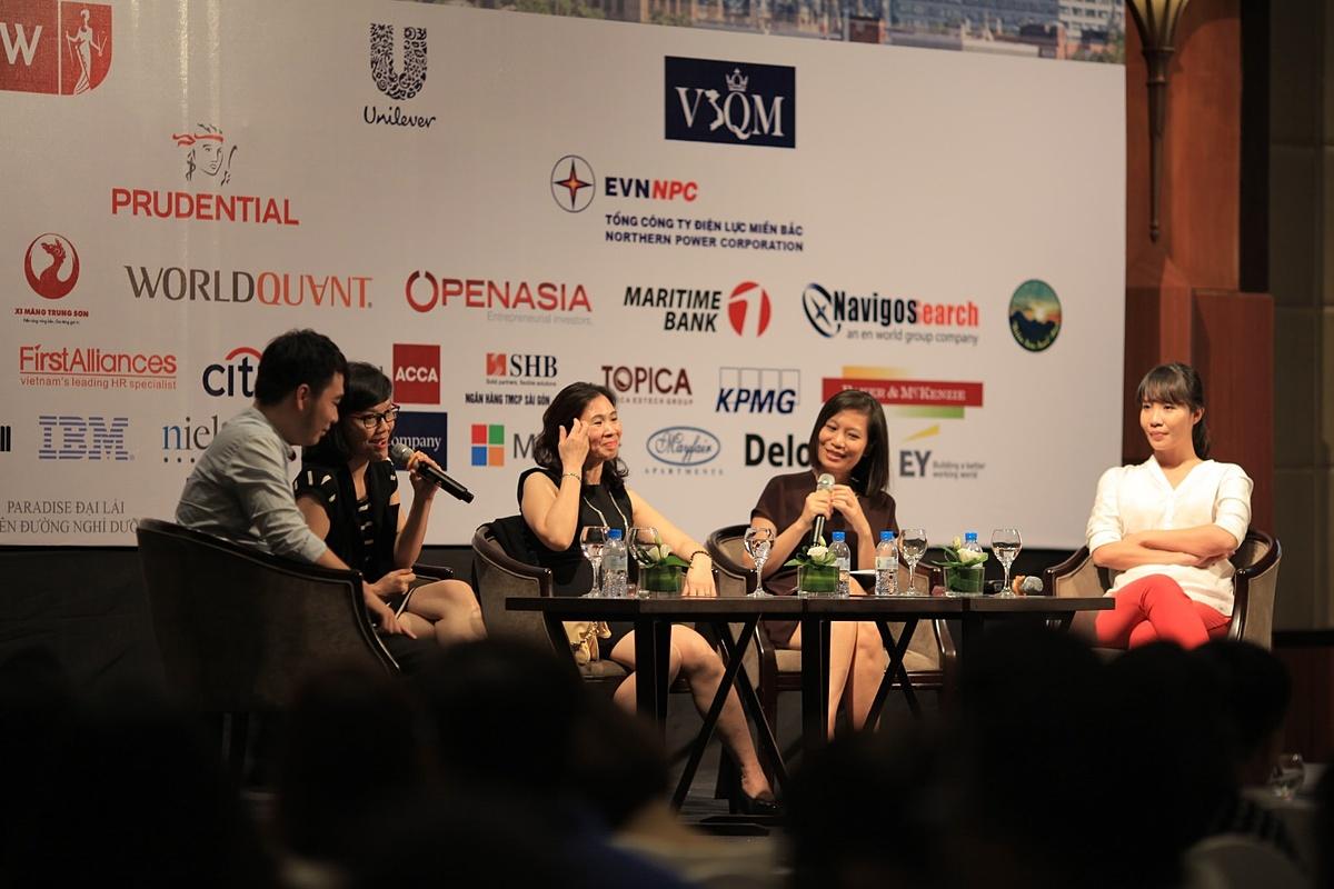 Chương trình hội thảo với sự góp mặt của đại diện đến từ các doanh nghiệp tại sự kiện Connect the Dots.