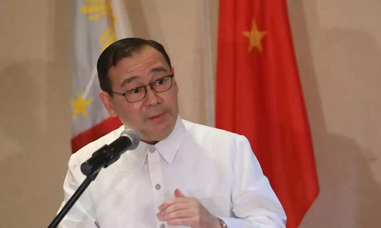 Ngoại trưởng Philippines Teodoro Locsin Jr. tại một cuộc họp báo ở thành phố Davao năm 2018. Ảnh: Rappler.