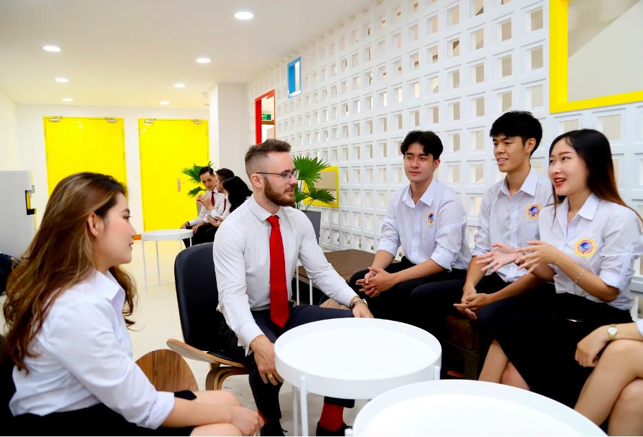 Môi trường tại SIU được kỳ vọng sẽ giúp Nguyễn Duy Đại tiếp tục nâng cao hơn nữa năng lực tiếng Anh.