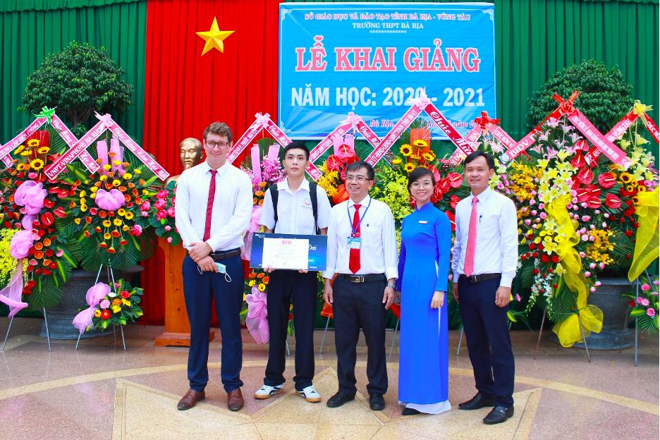 Nguyễn Duy Đại được cấp học bổng toàn phần để theo học ngành Ngôn ngữ Anh tại SIU.