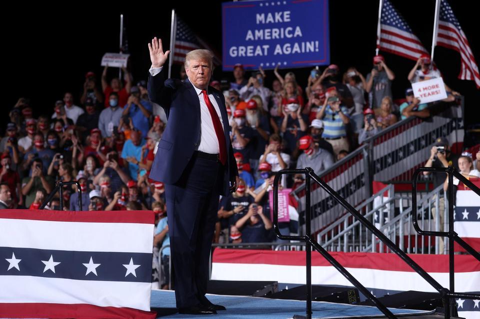 Tổng thống Trump tại cuộc mít tinh ở Bắc Carolina ngày 8/9. Ảnh: Reuters.