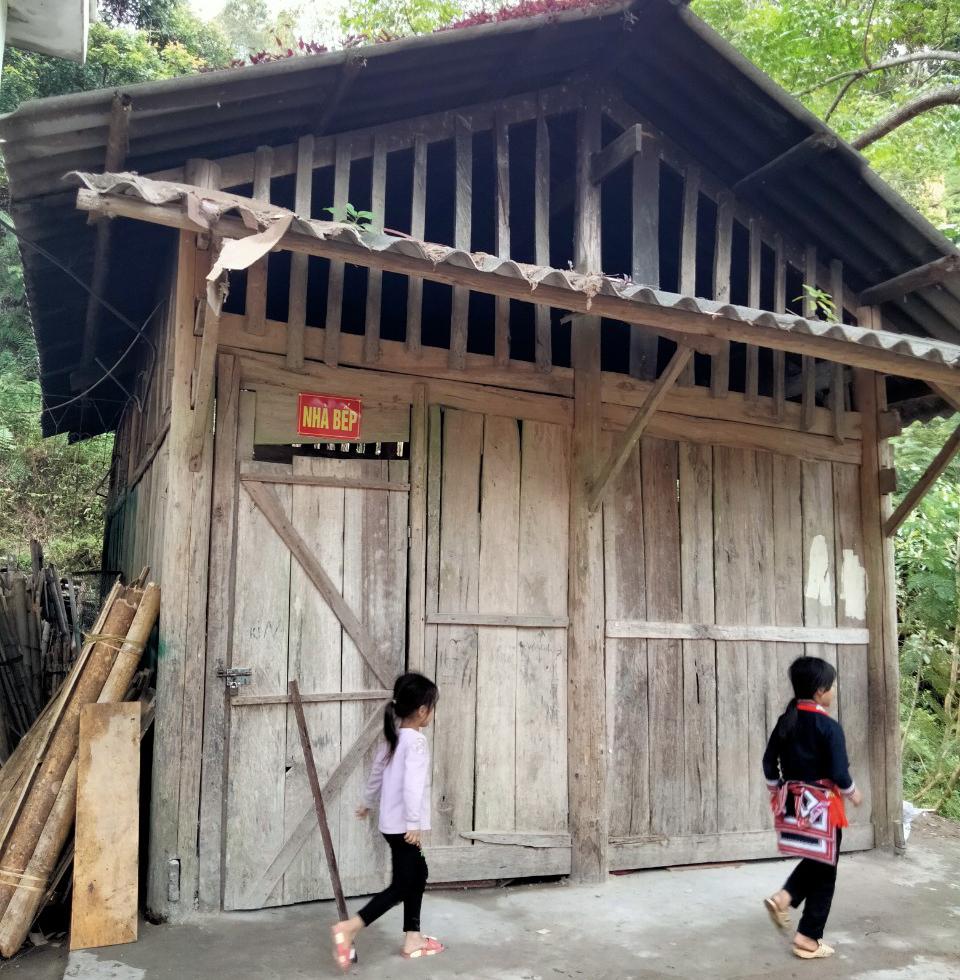 Nhà bếp của trường Tiểu học Hồ Thầu