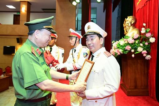 Thứ Trưởng Trần Quốc Tỏ được Thăng Ham Trung Tướng Vnexpress