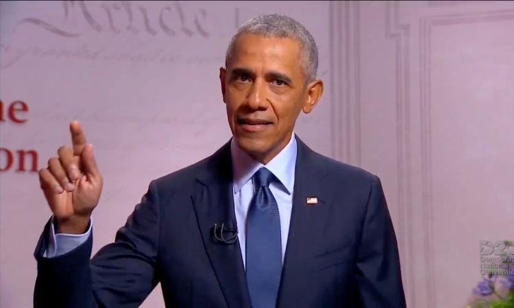 Cựu tổng thống Mỹ Barack Obama phát biểu tại Hội nghị Quốc gia đảng Dân chủ hồi tháng 8. Ảnh: Reuters.