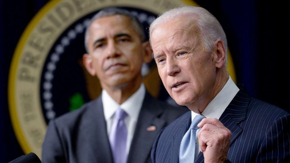 Joe Biden (phải) và Obama tại Washington D.C. tháng 12/2016. Ảnh: Reuters.