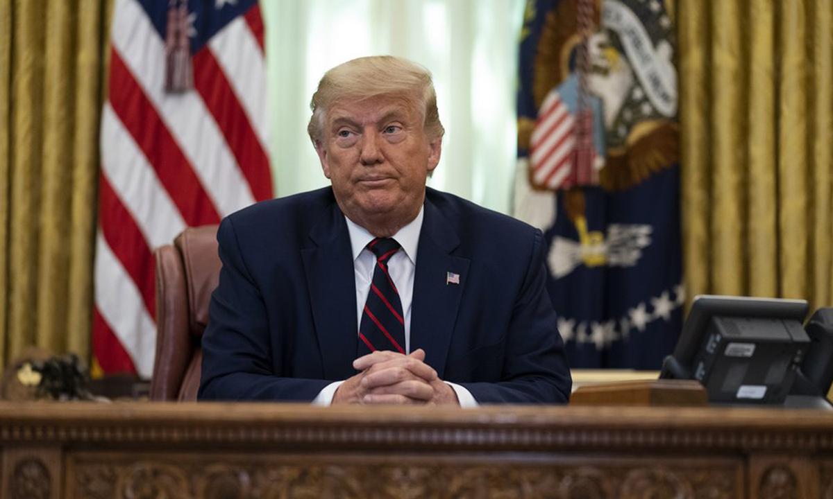 Tổng thống Donald Trump tại Lầu Năm Góc ở Nhà Trắng hôm 4/9. Ảnh: AP.