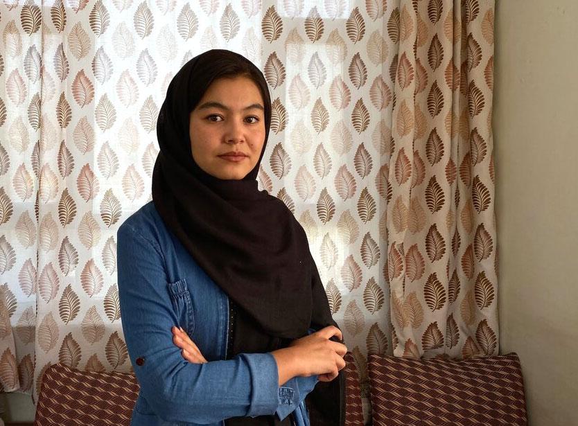 Shamsea Alizada, 17 tuổi, đạt số điểm cao nhất trong kỳ thi đại học quốc gia ở Afghanistan. Ảnh: The New York Times