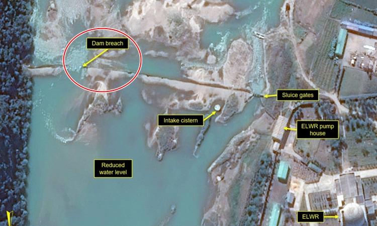 Vị trí đập bị vỡ gần khu phức hợp hạt nhân Yongbyon của Triều Tiên trong ảnh vệ tinh hôm 21/9. Ảnh: 38 North.