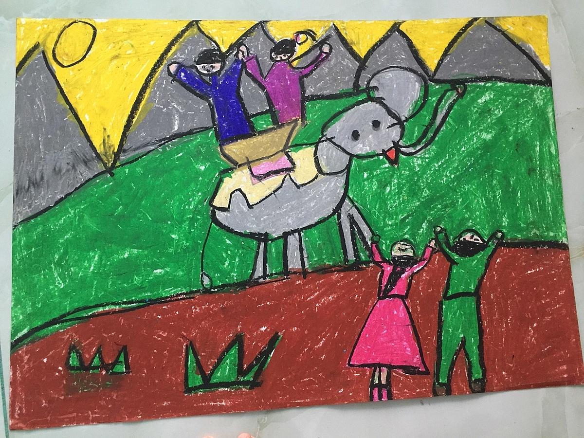 Em mong ước được ba mẹ cho đến Tây Nguyên chơi và được ở nhà sàn, cưỡi voi...