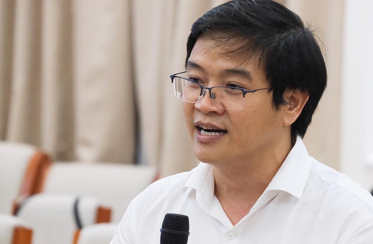 Ông Thái Văn Tài, Vụ trưởng Giáo dục tiểu học phát biểu chiều 30/9. Ảnh: Dương Tâm.