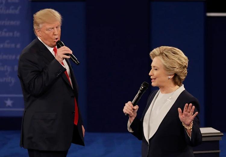 Trump,ứng viên tổng thống đảng Cộng hòa và Clinton, ứng viên tổng thống đảng Dân chủ, trong phiên tranh luận thứ hai tại đại học Washington ở thành phố St.Louis năm 2016. Ảnh: AP.