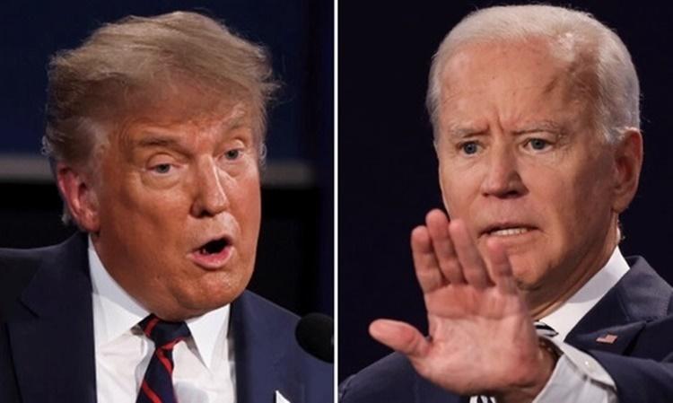 Tổng thống Mỹ Donald Trump và đối thủ đảng Dân chủ Joe Biden trong cuộc tranh luận đầu tiên ở Ohio tối 29/9. Ảnh: Reuters.