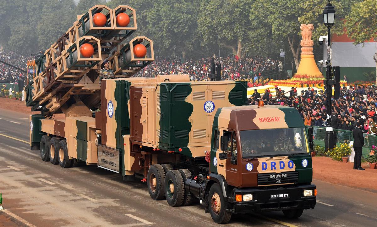 Xe bệ phóng tên lửa Nirbhay trong lễ duyệt binh tại thủ đô New Delhi năm 2018. Ảnh: PIB.