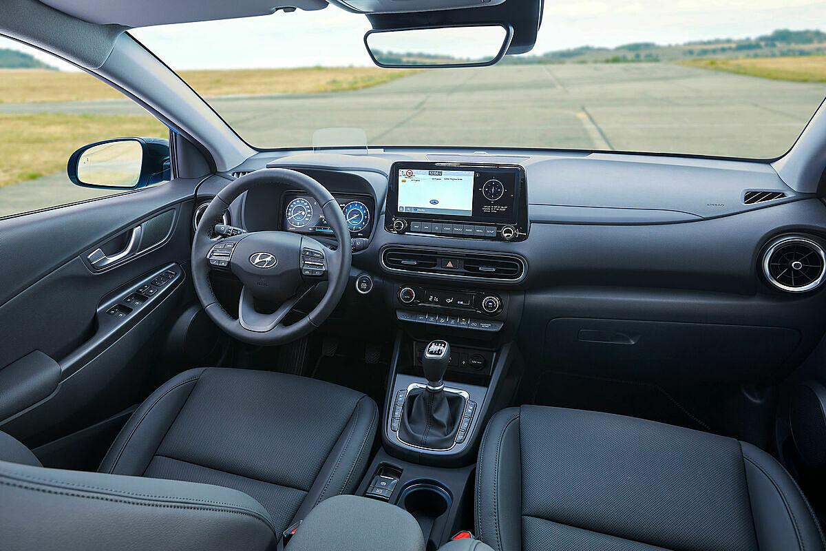 Khoang lái trên Hyundai Kona 2021.