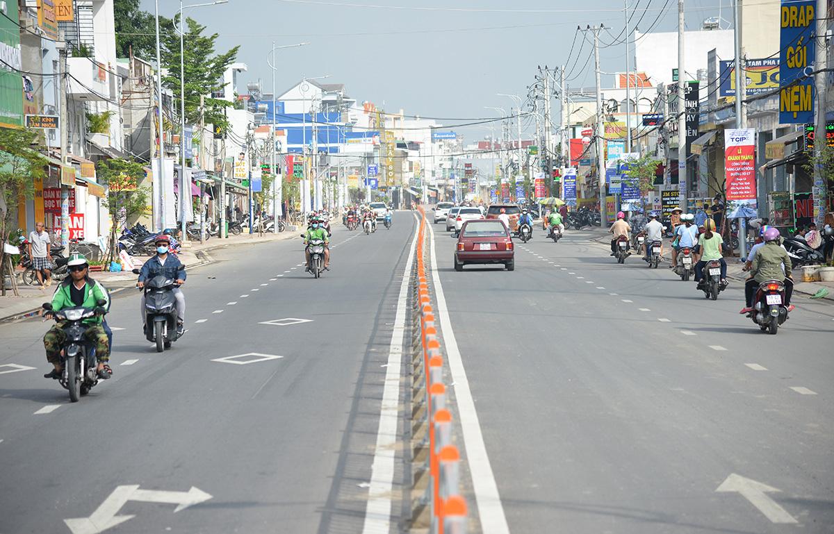 Dự án mở rộng đường Tô Ký, đoạn từ giao lộ với đường Đặng Thúc Vịnh đến ngã ba Bầu, hoàn thành sáng 3/10. Ảnh: Gia Minh.