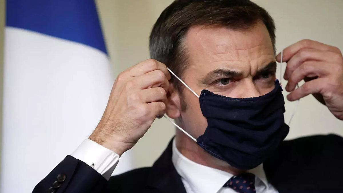 Bộ trưởng Y tế Pháp Olivier Veran thông báo nguy cơ tái phong tỏa Paris hôm 1/10