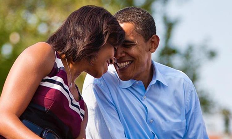 Ảnh chụp vợ chồng cựu tổng thống Barack Obama trong bài đăng của Obama trên Instagram hôm 3/10. Ảnh: Instagram/barackobama.