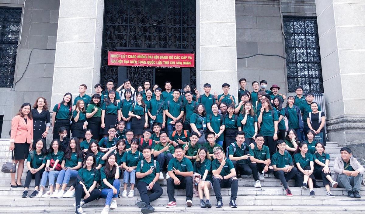 Sinh viên hệ quốc tế BUH tham quan Ngân hàng Nhà nước Việt Nam tại Tp.HCM