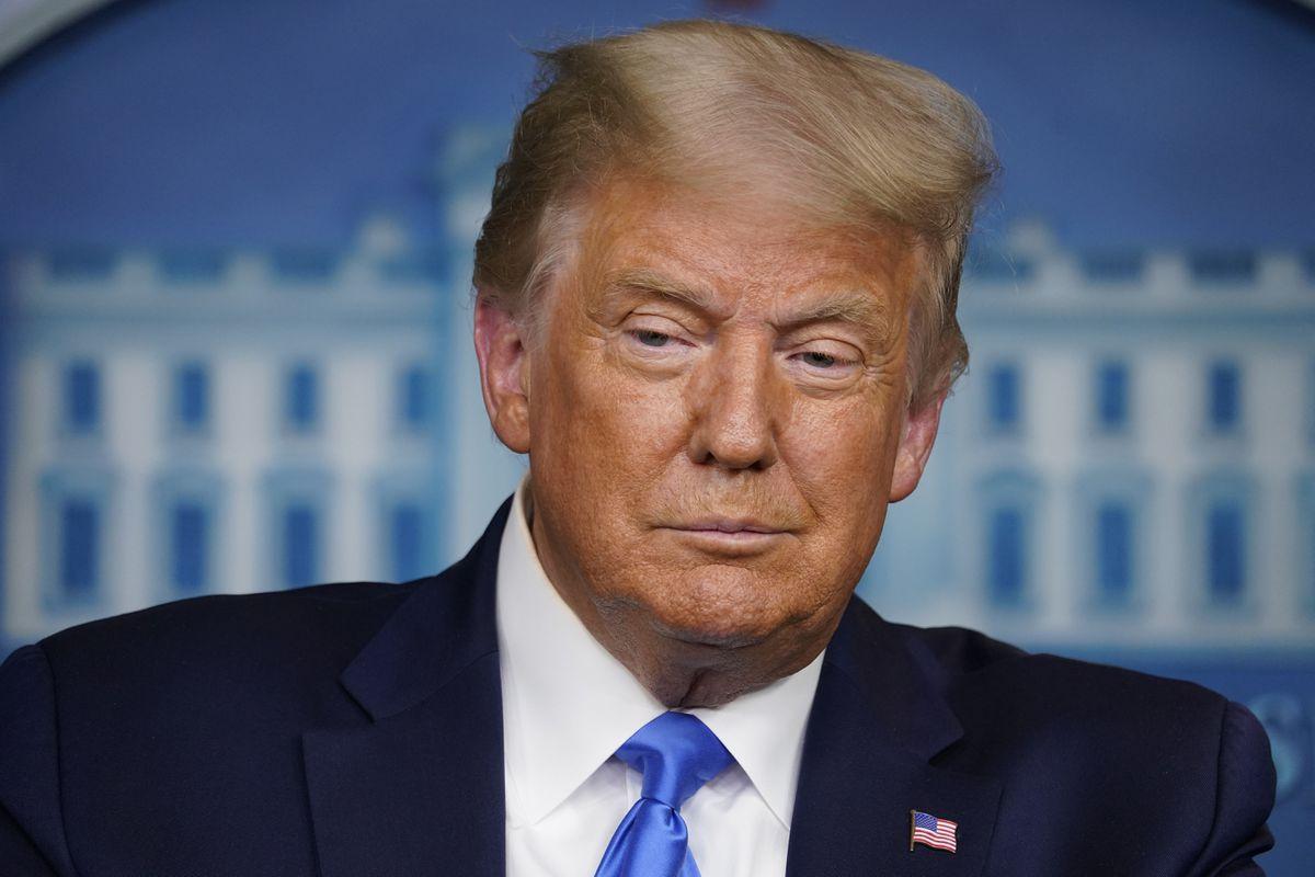 Thần chú xét nghiệm không bảo vệ được Trump trước Covid-19