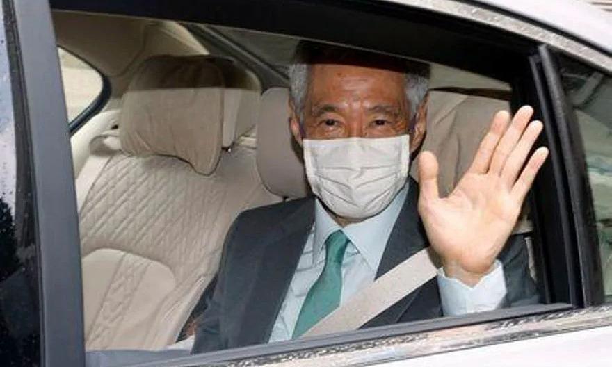 Thủ tướng Lý Hiển Long tới Tòa án Tối cao Singapore hôm nay. Ảnh: Reuters.