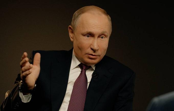Tổng thống Nga Vladimir Putin trong cuộc phỏng vấn với hãng thông tấn TASS, ngày 7/10. Ảnh: TASS.