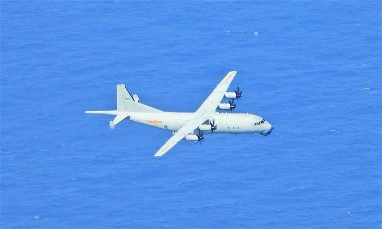 Máy bay chống ngầm Y-8 của quân đội Trung Quốc hoạt động gần đảo Đài Loan. Ảnh: Cơ quan phòng vệ Đài Loan.