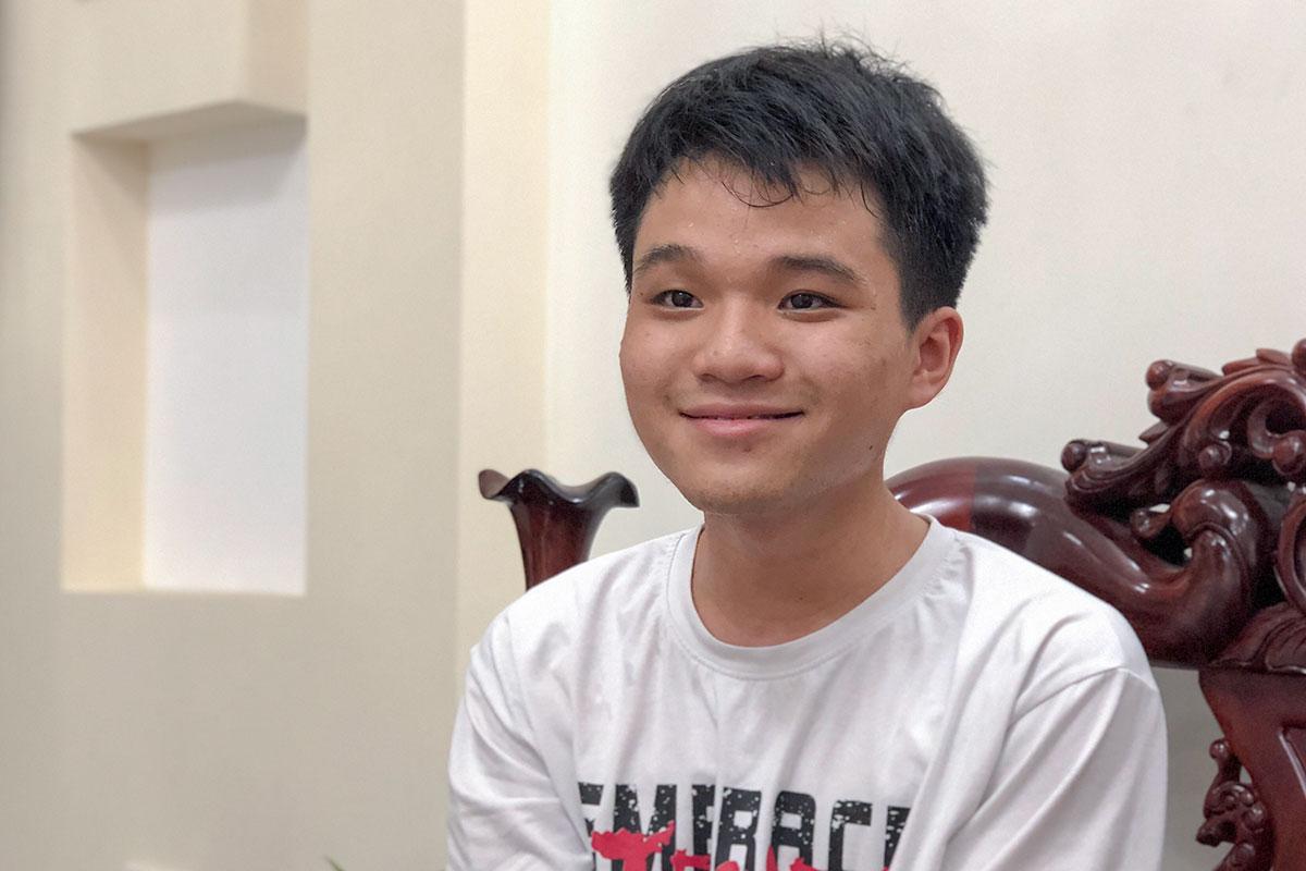 Nguyễn Lê Vũ là thủ khoa khối B00. Ảnh: Đông Giáp