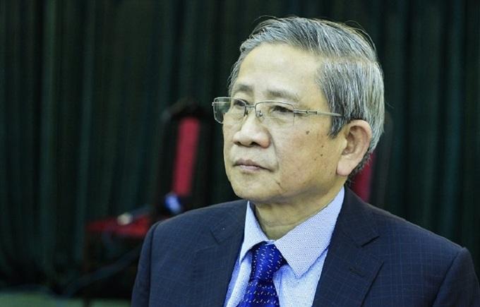 GS Nguyễn Minh Thuyết sẽ giải đáp thắc mắc của độ giả VnExpress hôm 12/10. Ảnh: Dương Tâm.