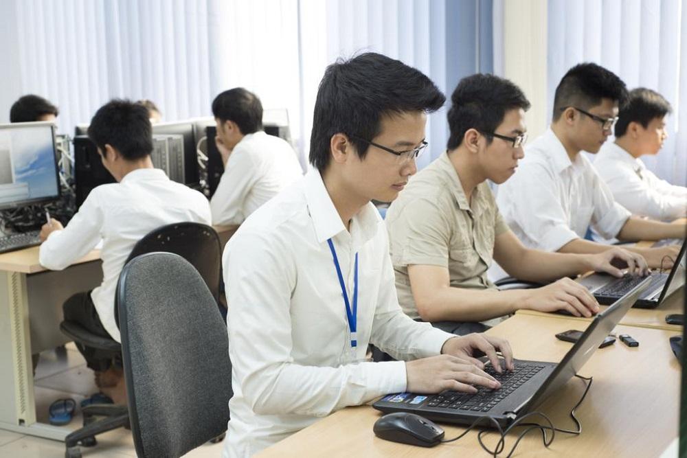 Sinh viên Đại học Bách khoa Hà Nội trong giờ học. Ảnh: HUST.