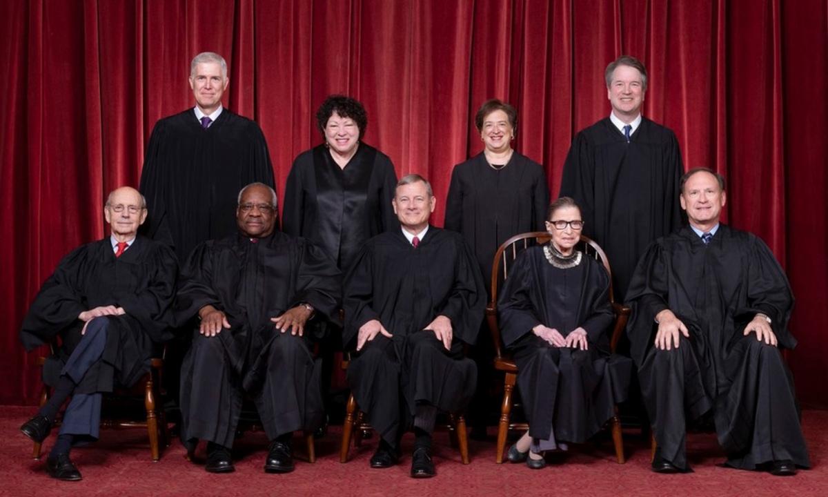 9 thẩm phán tòa án tối cao liên bang từ tháng 10/2018 tới 18/9/2020. Ảnh: Fred Schilling/Supreme Court of the United States.