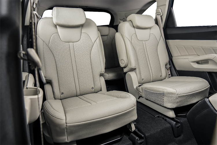 Hàng ghế hai trên Kia Sorento thế hệ mới.