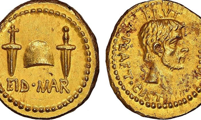 Hai mặt của đồng xu vàng 2.000 năm tuổi. Ảnh: Numismatic Guaranty Corporation.