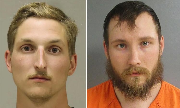 Cựu hạ sĩ thủy quân lục chiến Mỹ Daniel Harris (trái) và Joseph Morrison (phải). Ảnh: AP.