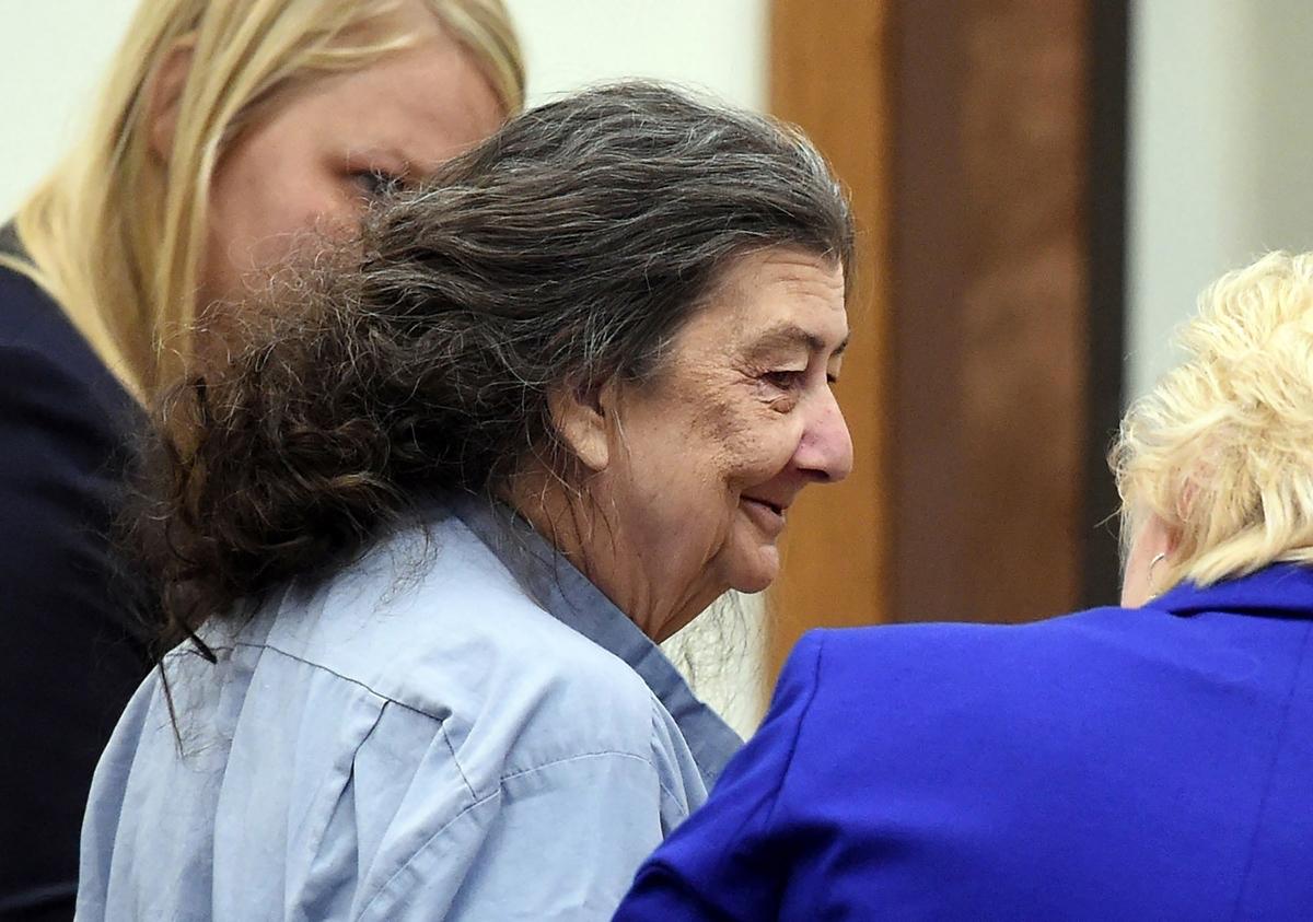 Bà Cathy Woods xuất hiện trước tòa vào năm 2014. Ảnh: AP.