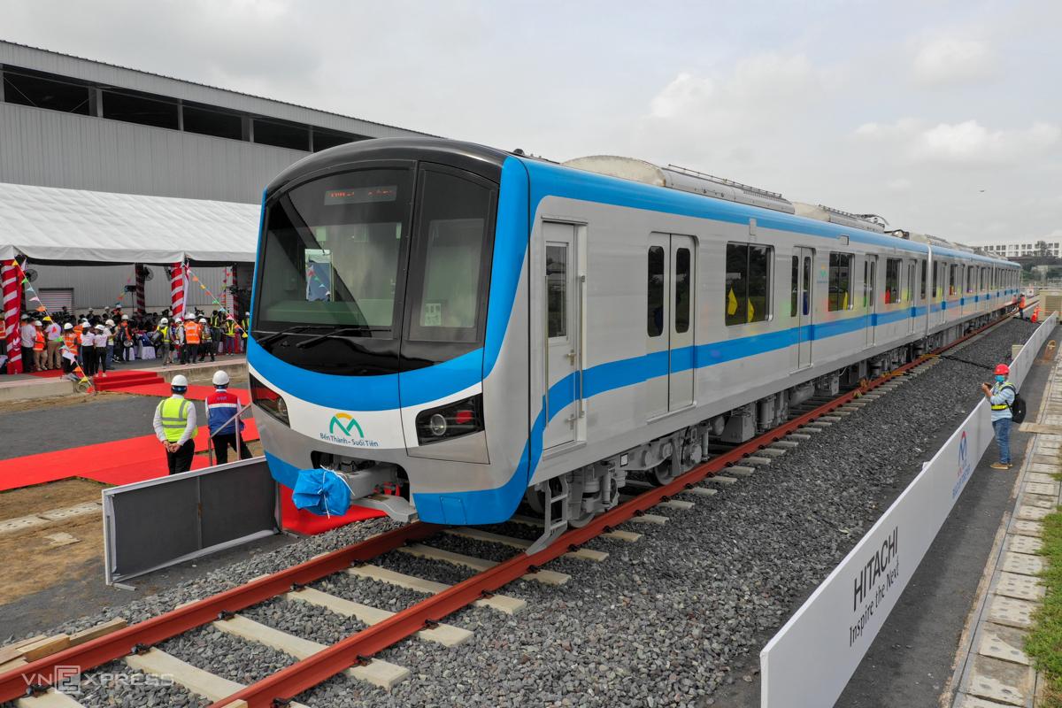 Ba toa tàu hiện được ráp lại với nhau ở depot Long Bình, quận 9. Ảnh: Hữu Khoa.