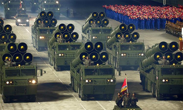 Các tổ hợp pháo phản lực siêu lớn của Triều Tiên tham gia lễ duyệt binh tại Bình Nhưỡng, ngày 10/10. Ảnh: KCNA.
