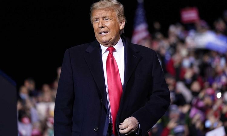 Tổng thống Mỹ Donald Trump tại sự kiện vận động tranh cử ở Johnstown, Pennsylvania, hôm 13/10. Ảnh: AP.