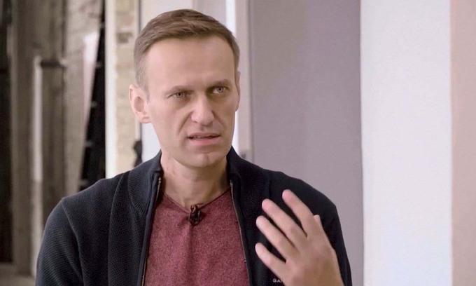 Lãnh đạo đối lập Nga Alexei Navalny trong buổi phỏng vấn tại Berlin, Đức, hôm 6/10. Ảnh: Reuters.
