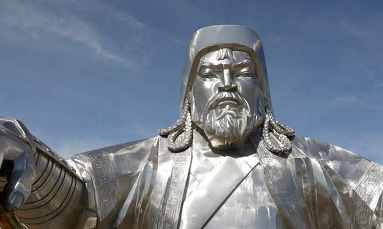 Tượng Thành Cát Tư Hãn ở phía đông Ulaanbaatar, Mông Cổ, hồi tháng 6/2019. Ảnh: Reuters.