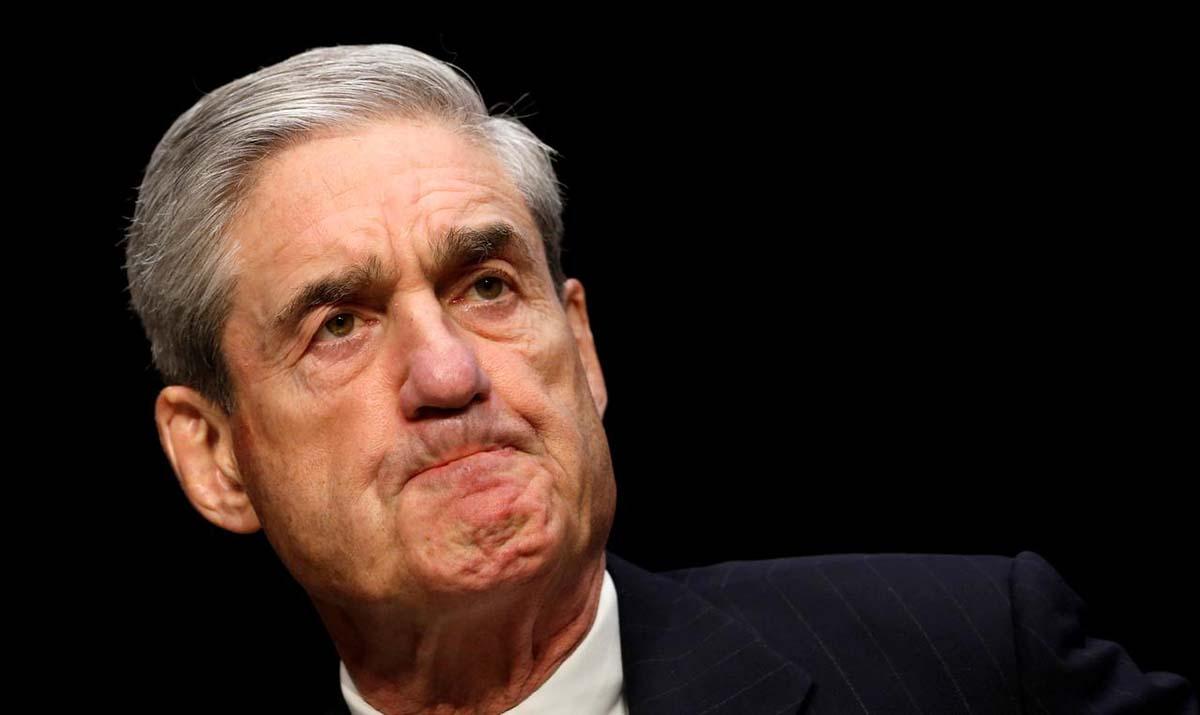 Công tố viên đặc biệt Robert Mueller tại một phiên điều trần của Ủy ban Tình báo Thượng viện Mỹ ở Tòa nhà Quốc hội, Washington, hồi tháng 3/2013. Ảnh: Reuters.