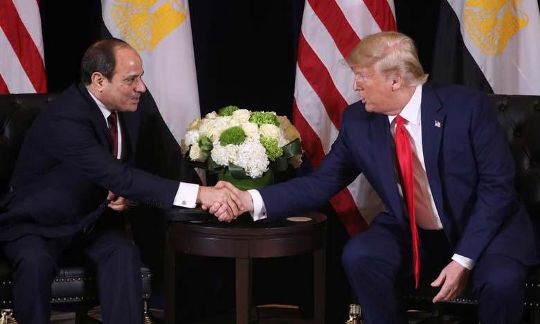 Tổng thống Mỹ Donald Trump (phải) bắt tay người đồng cấp Ai Cập Abdel Fattah el-Sisi tại cuộc họp bên lề Đại hội đồng Liên Hợp Quốc ở New York, Mỹ, hồi tháng 9/2019. Ảnh: Reuters.