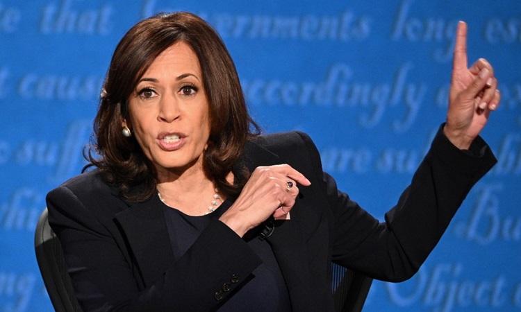 Ứng viên phó tổng thống đảng Dân chủ Kamala Harris tại buổi tranh luận ở thành phố Salt Lake hôm 7/10. Ảnh: AFP.
