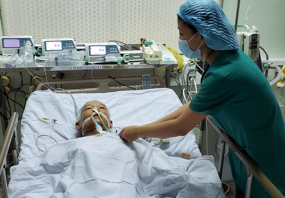 Hiện bệnh nhân đang được theo dõi, điều trị tại viện. Ảnh: Thanh Phong