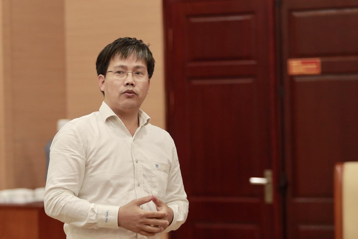 Ông Mai Văn Khiêm nói về mưa lớn ở miền Trung. Ảnh: Gia Chính