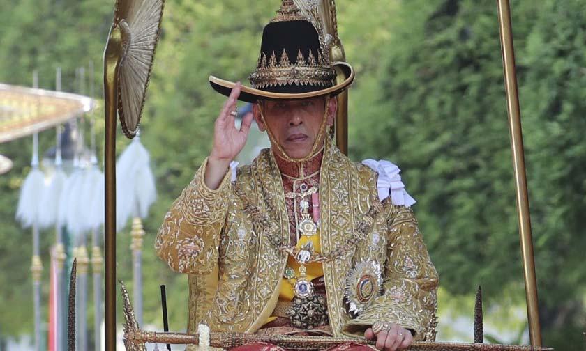Vua Vajiralongkorn trong lễ đăng quang tại thủ đô Bangkok, Thái Lan, hồi tháng 5/2019. Ảnh: AP.
