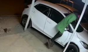 Những pha bẻ trộm gương ôtô
